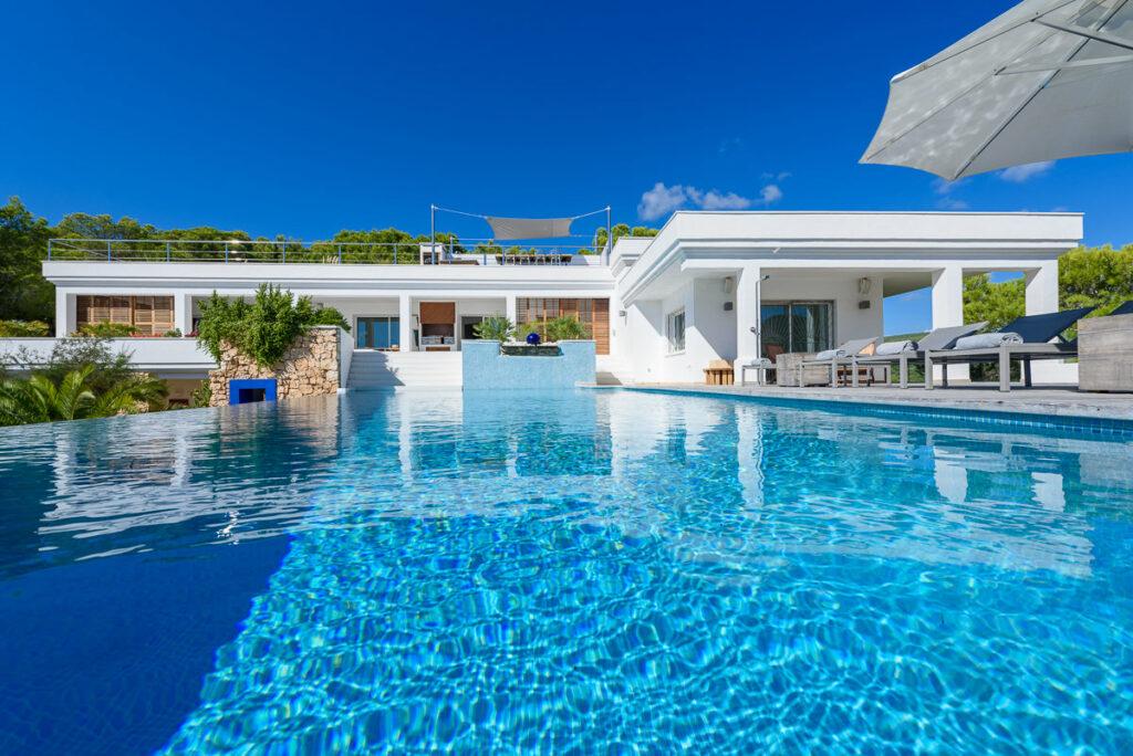 Casa Blanca Jondal | Haute Retreats